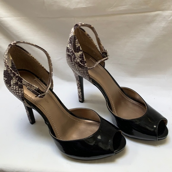 BCBG Snakeskin and black heel